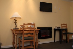 Deluxe King Room & Fireplace Picture 2